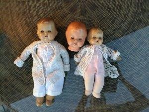 Porzellan oder Keramik 2 ältere Puppen Puppen